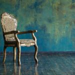 Boligindretning med antikke møbler