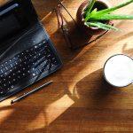 Brug din tablet til at skrive på med tastatur fra Logitech